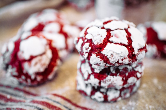 Red-Velvet-Crinkle-Cookies